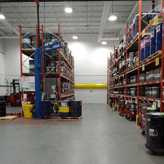 Warehouse / factory installation of Nemalux AR Series high bay industrial luminaires, hazardous location class I division 2, class 2 division 2 certified
